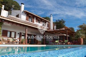 Casa en venta en Alella: Increibles vistas al mar. Con licencia Turística. photo 0