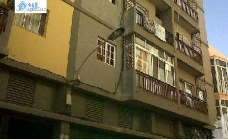 Piso de tres dormitorios en Santa Cruz de Tenerife (Barrio de la Salud) photo 0