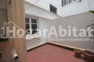 Amplio con balcón junto al Centro de Salud photo 0