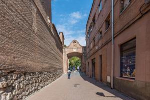 Unifamiliar Pareada En venta en Casco Histórico, Alcalá De Henares photo 0