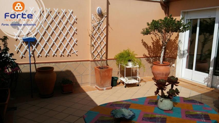 Casa en venta en Nueva Carteya, con 310 m2, 4 habitaciones y 3 baños, Garaje, Aire acondicionado y Calefacción Caldera. photo 0