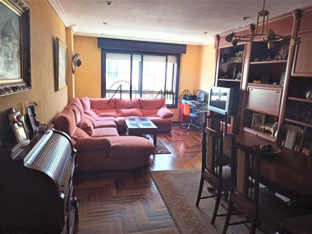 Piso En venta en Casablanca - Calvario, Vigo photo 0