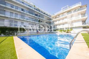 Espectacular gran piso con piscina comunitaria y vistas al Mar photo 0