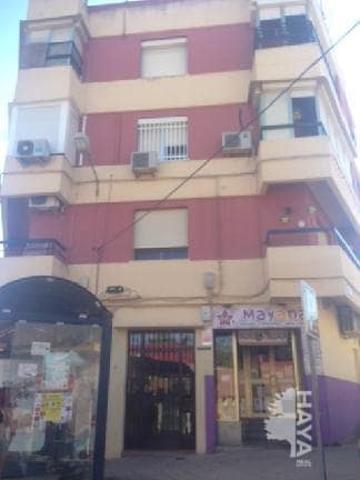 Piso en venta en Calle Reyes Católicos, Alcalá De Guadaíra, Sevilla photo 0