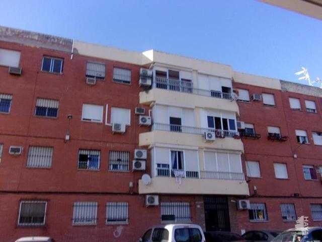 Piso en venta en Calle Pintor Luna Rubio, Alcalá De Guadaíra, Sevilla photo 0