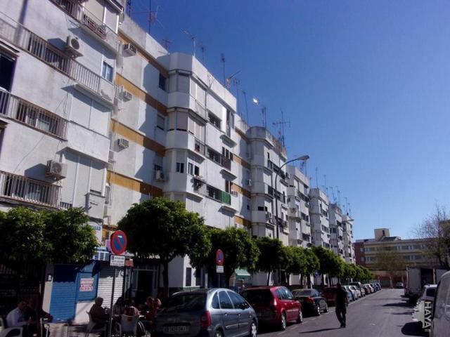 Piso en venta en Calle Valdelarco, Sevilla, Sevilla photo 0