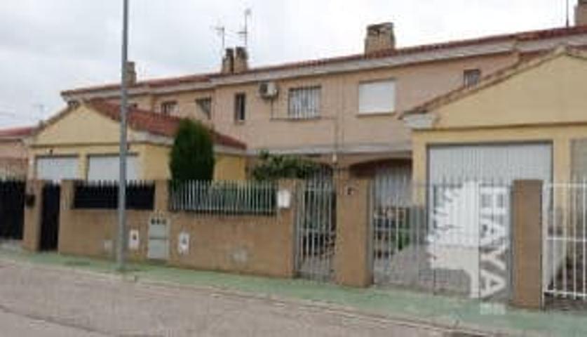 Unifamiliar Adosada en venta en Urbanización Pintor Pablo Picasso, La Gineta, Albacete photo 0