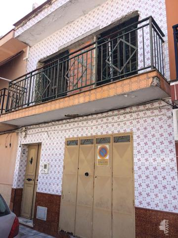 Unifamiliar Adosada en venta en Calle Larita, Dos Hermanas, Sevilla photo 0