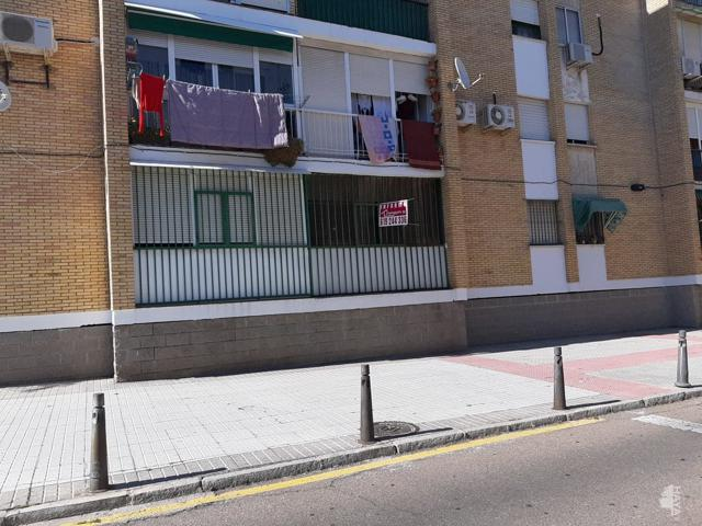 Piso en venta en Calle Andres Nieto Carmona, Mérida, Badajoz photo 0