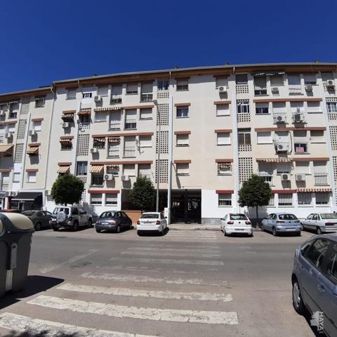Piso en venta en Avenida Goya, Almendralejo, Badajoz photo 0