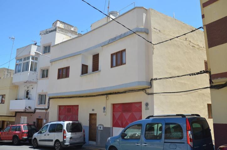 Unifamiliar Pareada En venta en Calle Salamanca, 195, Carretera Del Centro - Cono Sur, Las Palmas De Gran Canaria photo 0