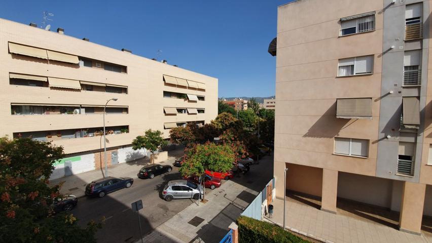 Gran piso totalmente exterior, en esquina y con ascensor, parking y trastero en Noreña! photo 0