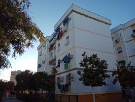Piso En venta en Calle Nínive, San Pablo, Sevilla Capital photo 0