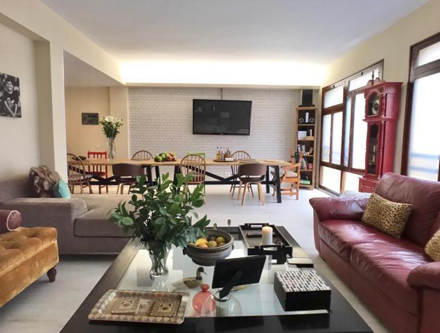 Se vende precioso piso de 130 m2² a pocos metros del parque San Telmo y zona comercial de Triana. photo 0