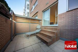 Estupendo bajo VPO con terraza de 1 dormitorio G y T en Ezkaba photo 0