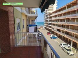 Ref. 00670 Se VENDE apartamento Les Palmeretes, 3 hab + baño y aseo, con terraza y vistas al mar photo 0
