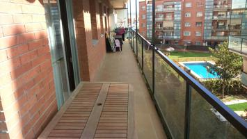 Piso seminuevo con piscina y parque infantil photo 0