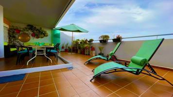 Vivienda de 4 dormitorios con patio y gran terraza en urbanización privada con piscina photo 0