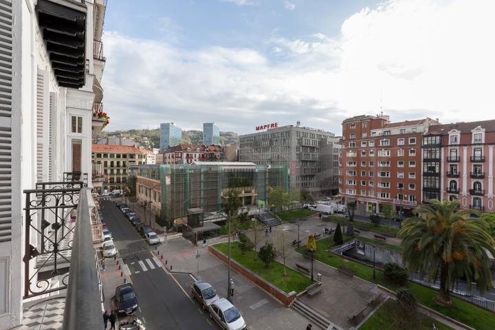 Piso En venta en Calle Colon De Larreategi, Barrio De Abando, Bilbao photo 0