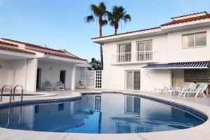 Chalet  2 apartamentos en venta en la playa photo 0