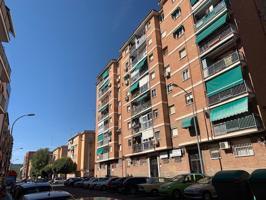 Piso En venta en Avenida Reyes Católicos, Alcalá De Henares photo 0
