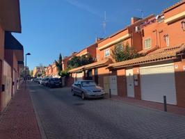 Casa En venta en Calle Antonio Palacios, Alcalá De Henares photo 0