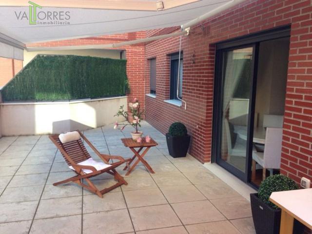 Vivienda con fantástica terraza, plaza de garaje y trastero, piscina comunitaria photo 0