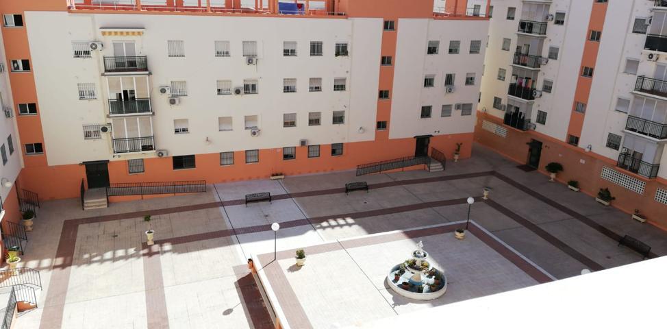 Piso de 80m² útiles en Sevilla Este, 3 dorm, 2 baños y garaje. photo 0