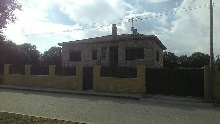Casa o Chalet en venta en TRIJUEQUE (Guadalajara) ENEBRO 463 photo 0