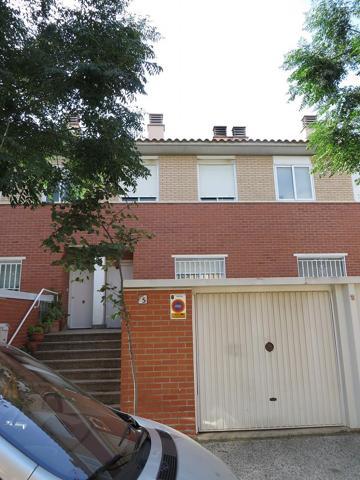 Casa o Chalet en venta en PASTRIZ (Zaragoza) D JUAN LANUZA 11 photo 0
