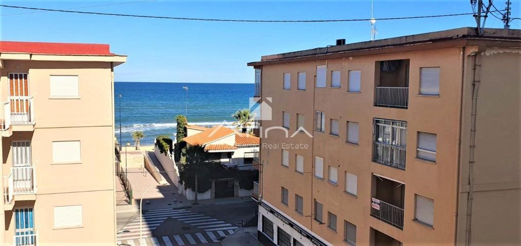 Apartamento con vistas al mar situado en 3ª linea playa Miramar photo 0