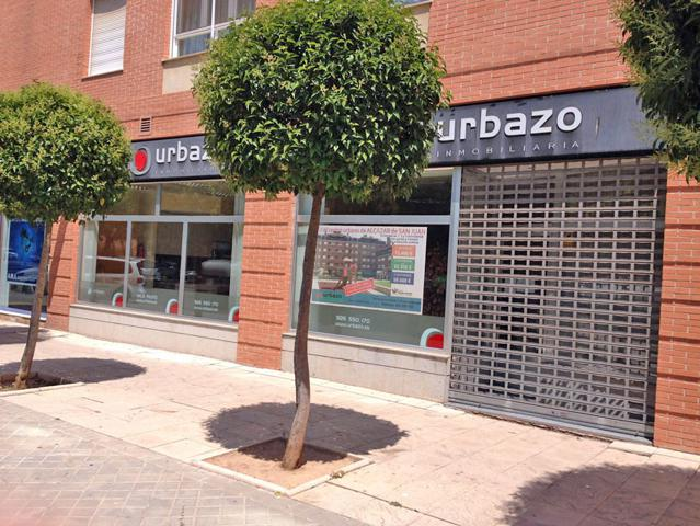 Local de 137 m2 con 13 m de fachada con excelente ubicación en Alcázar de San Juan. photo 0