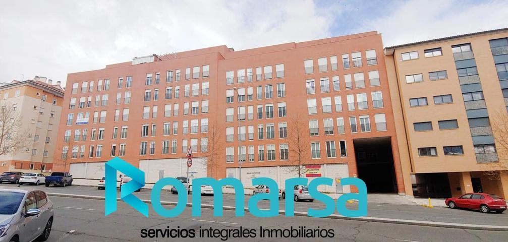 Piso en venta en Ávila de 70 m2 photo 0