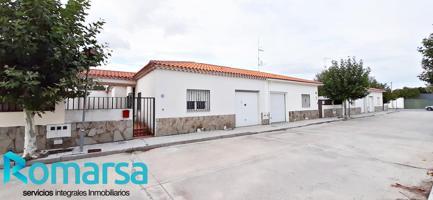 Casa - Chalet en venta en Fontiveros de 116 m2 photo 0