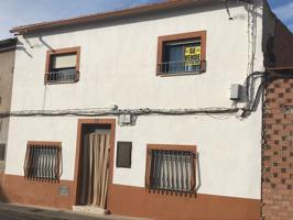 Casa En venta en Calle Azuer, Membrilla photo 0