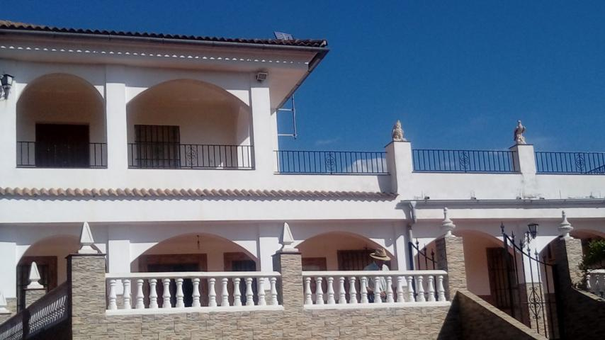 Chalet independiente en Montoro photo 0