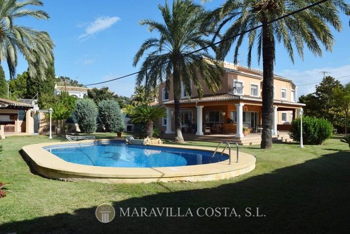 Magnífica villa junto al pueblo de Jávea en venta photo 0