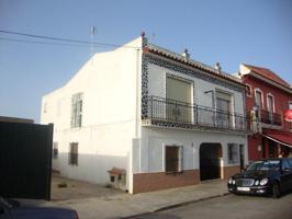 Piso en Venta en Villamanrique de la Condesa photo 0