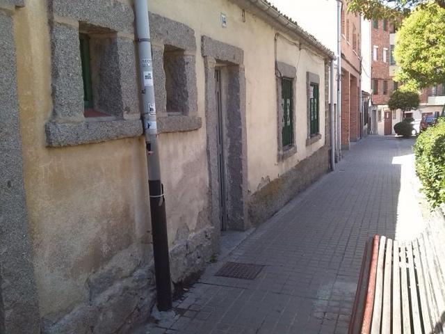 Adosada en Venta en Segovia photo 0