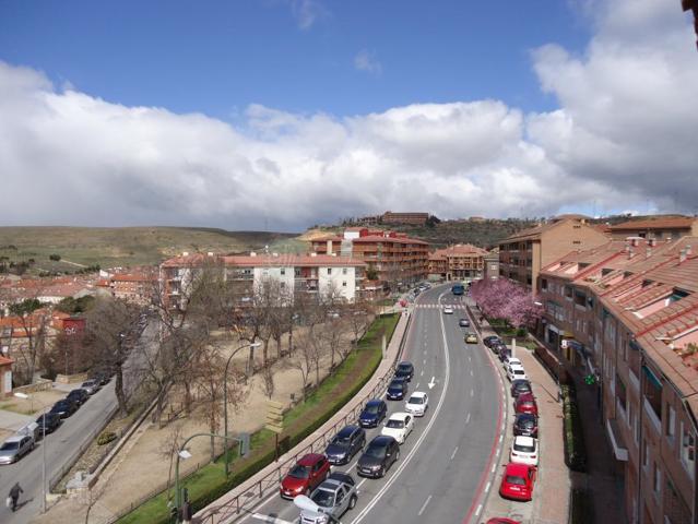 Piso en Venta en Segovia photo 0