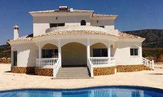 Casa En venta en El Pinós-Pinoso photo 0