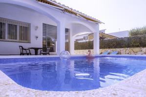 Casa En venta en Castelló d'Empúries photo 0