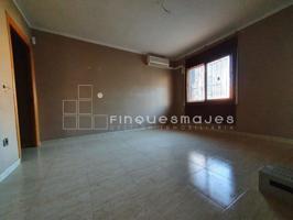 Piso En venta en Sant Feliu de Llobregat photo 0