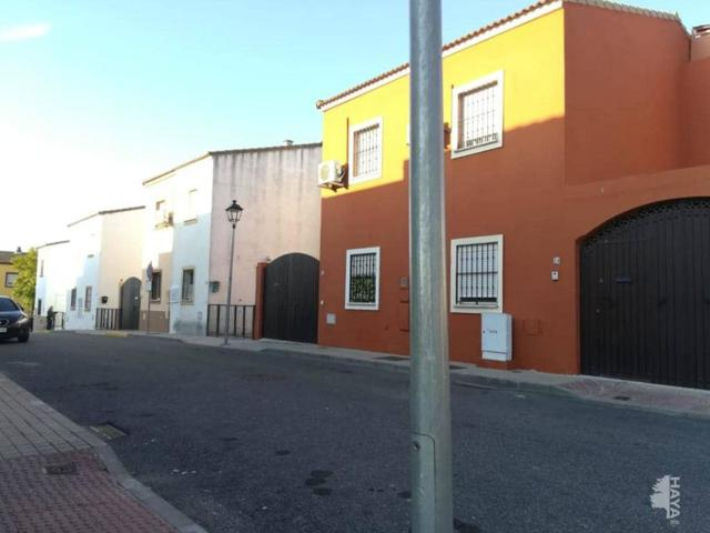 Unifamiliar Pareada En venta en Calle Rafael Alberti, 18, Albaida Del Aljarafe photo 0