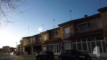 Unifamiliar Pareada En venta en Calle Luisa Biaggi Veira, 0, Esquivias photo 0