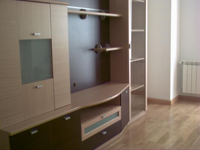 Piso de dos dormitorios completamente amueblado, con cuarto de baño ...
