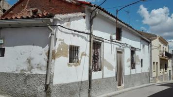 Casa En venta en Calle Correos, 16, Arguisuelas photo 0