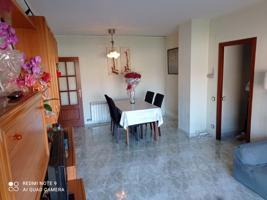 Luminosa y amplia vivienda en Can Borrel, con parking y trastero. Mollet del Vallès photo 0