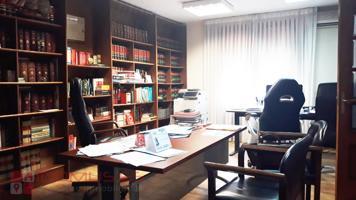 Alquilamos en Alcalá de Henares oficina con 3 despachos en el centro de alcalá de Henares. photo 0