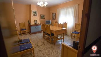 Casa - Chalet en venta en San Lorenzo de la Parrilla de 146 m2 photo 0